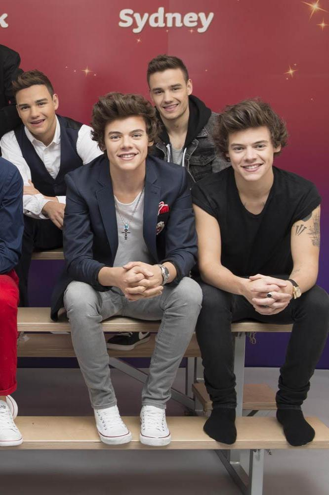 One direction meet madame tussauds wax figures one direction pose with waxworks m4hsunfo