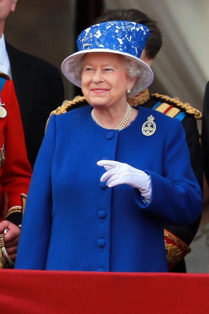 Sharon Stone Tongue Tied Meeting Queen Elizabeth