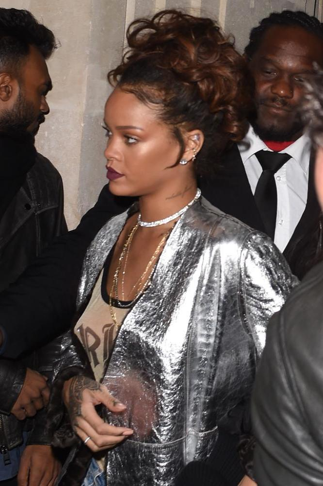 Rihanna Launches Fashion Agency Fr8me