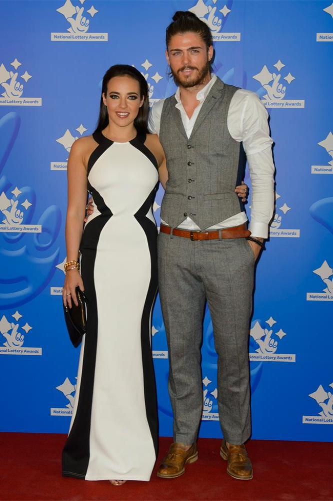 stephanie davis and sam reece relationship help