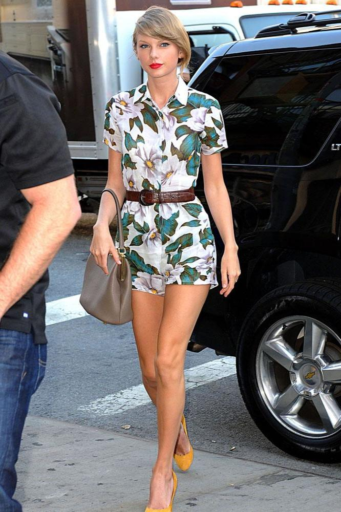 480b576ca0d0 Taylor Swift steps out in New York wearing Topshop