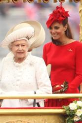 Queen Elizabeth and Duchess Catherine on the royal barge
