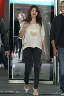 Movies  Selena Gomez on Selena Gomez S Teen Mom Fears