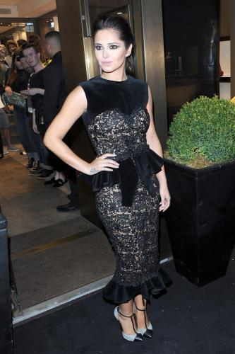 Cheryl Cole wows in lace peplum dress