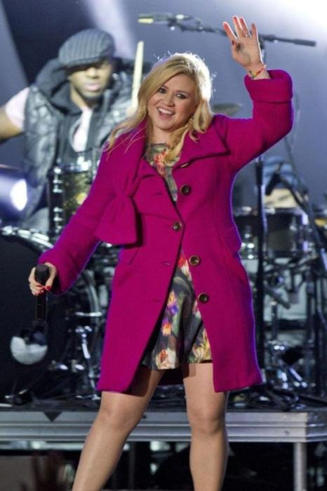 Kelly Clarkson Wants 'Big Family'