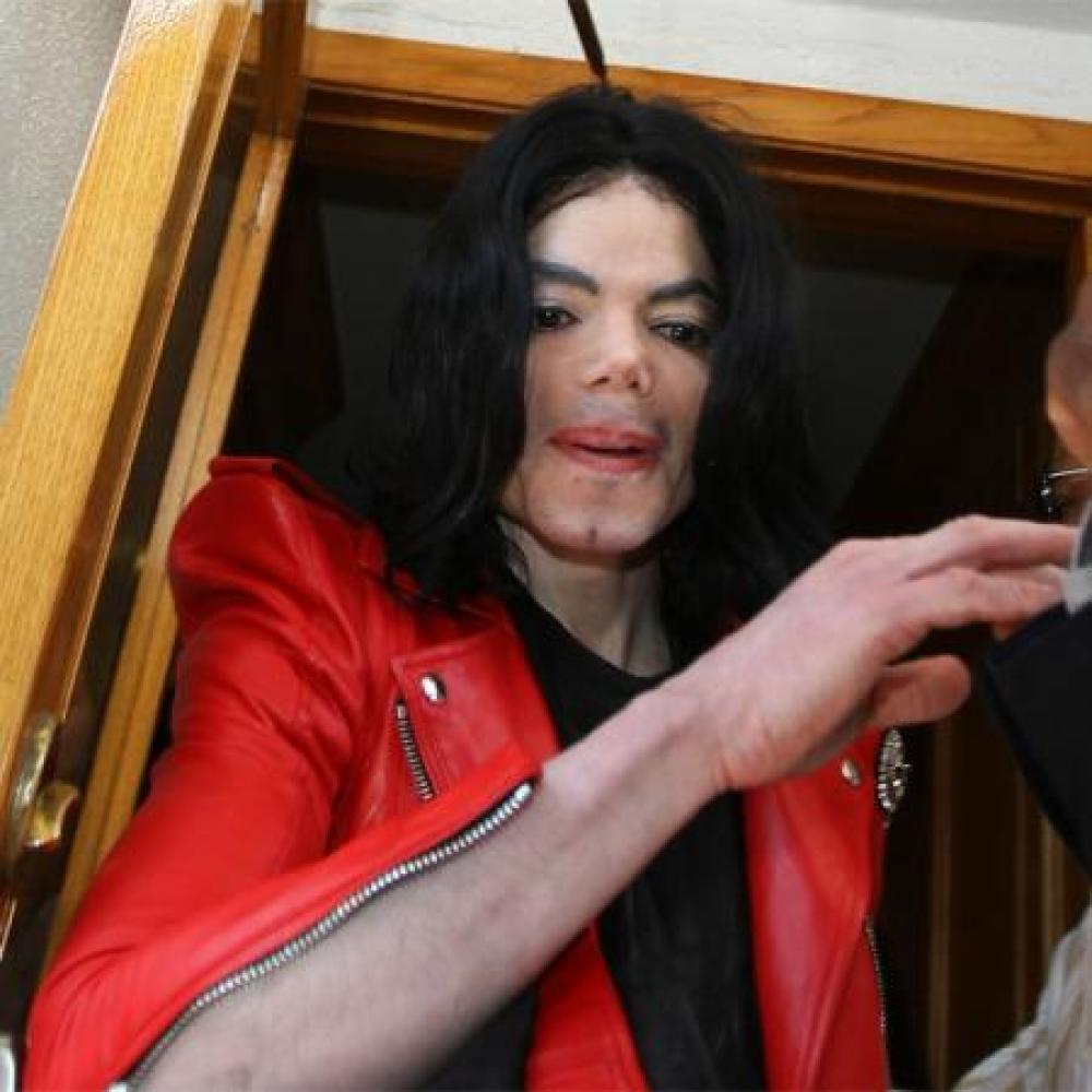 Lisa Marie Presley Denies Michael Jackson Molestation ...