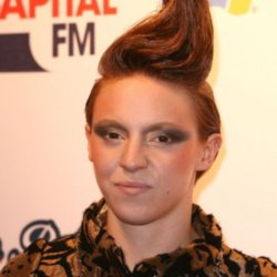 La Roux changes voice