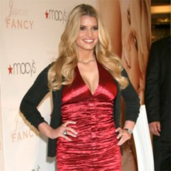 Jessica Simpson frightened of fins