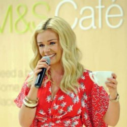 Katherine Jenkins sings for Christmas Doctor