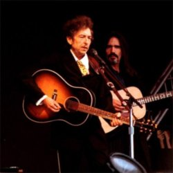 Bob Dylan thrills at London Feis concert