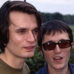 Jonny Greenwood (right)
