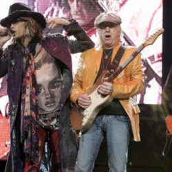 Steven Tyler and Roger Daltrey fund new vocal cord research