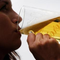 Overweight drinkers live longer