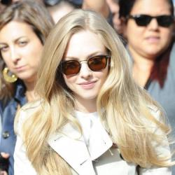 Amanda Seyfried does daytime chic in a beige trench coat