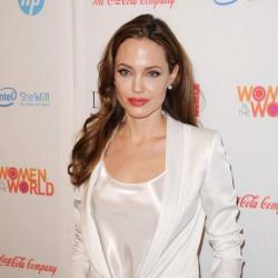 Angelia Jolie revealed that she has undergone a double mastecomy