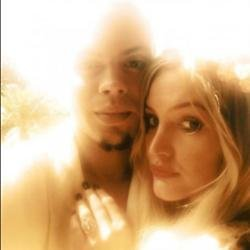 Ashlee Simpson and Evan Ross announced their engagement via Twitter