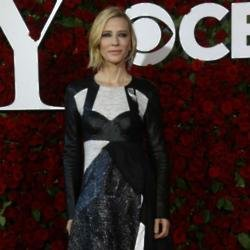 Cate Blanchett jokes about ugly Chris Hemsworth