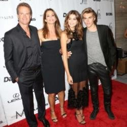 Cindy Crawford with her family