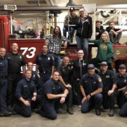 Dave Grohl and firefighters (c) Instagram