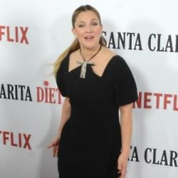 Drew Barrymore to spend Thanksgiving with ex
