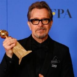 Gary Oldman with his Golden Globe prize