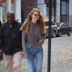 Gigi Hadid gushes over father on his birthday