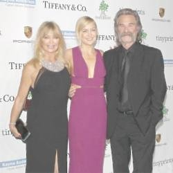 Goldie Hawn with daughter Kate Hudson and partner Kurt Russell