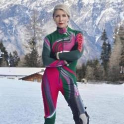 Heather Mills has become the fastest disabled female skier in history.