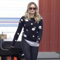 Hilary Duff looks chic in her jeans and jumper combo