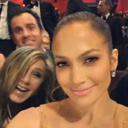 Jennifer Aniston, Justin Theroux and Jennifer Lopez (c) Instagram