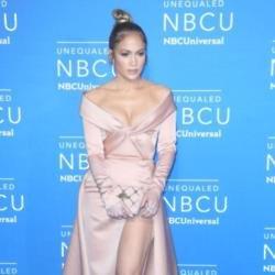 Jennifer Lopez reunited with family
