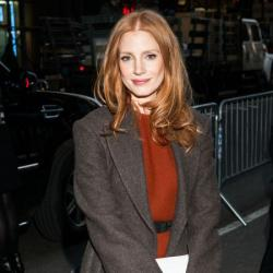 Jessica Chastain shows off her glossy red hair