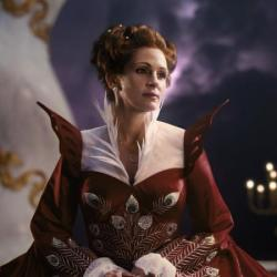 Julia Roberts as Queen Clementianna