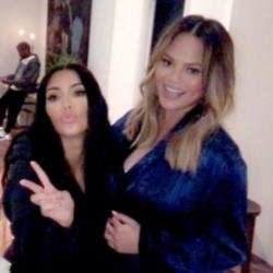 Kim Kardashian West and Chrissy Teigen (c) Twitter