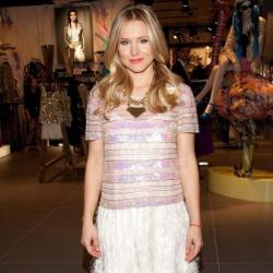 Kristen Bell looks cute in her sugary sweet look