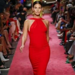Lily Aldridge walking in the show