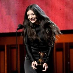 Lorde took 2 prizes