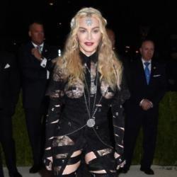 Madonna shocks fans at art exhibition