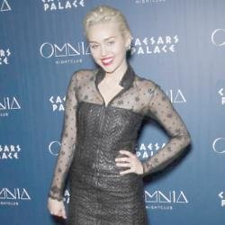 Miley Cyrus Has Rock 'n' Roll Spirit Says Alice Cooper