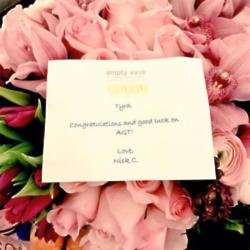 Nick Cannon's flowers for Tyra Banks (c) Twitter