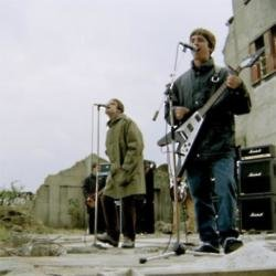 Noel and Liam Gallagher in D'You Know What I Mean? video
