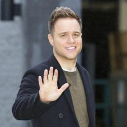 Olly Murs Compares Himself to Robbie Williams