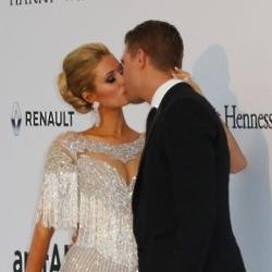Paris Hilton's first kiss with Chris Zylka was 'electric'
