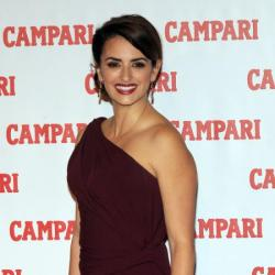 Penelope Cruz is timeless in her burgundy gown