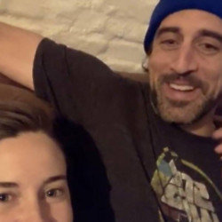 Shailene Woodley and Aaron Rodgers (c) Instagram
