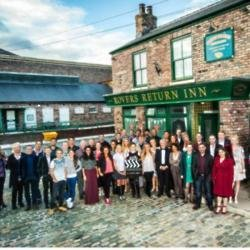 'Coronation Street' stars in panic over contracts