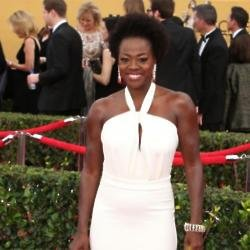 Viola Davis hits back at critic during SAG awards speech