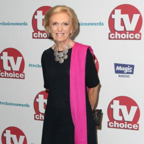 Mary Berry Bans Mobile Phones On Family Holidays