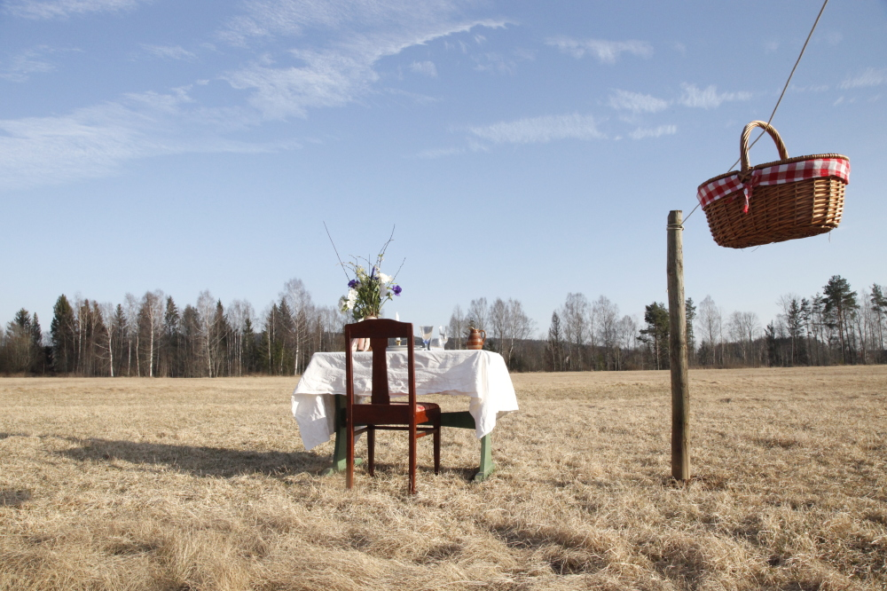 A 'social distancing' restaurant for one is opening in a field in Sweden
