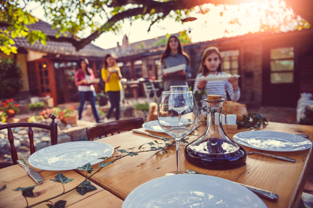 Things you only know if you hate eating al fresco